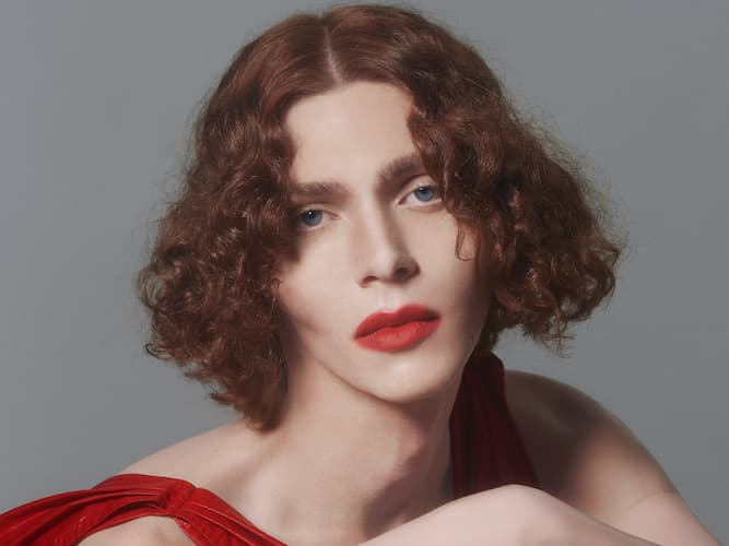 SOPHIE (Musician) Bio, Age, Death, Parents, Identity, Dating, Sexuality, Music